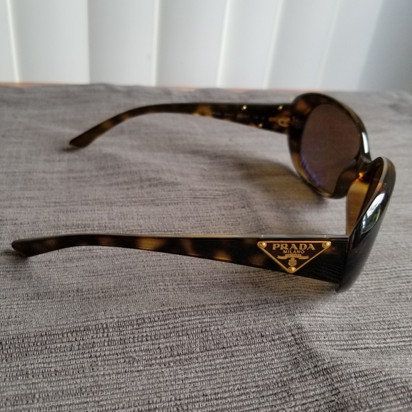 45b60afb12 Prada Accessories - PRADA Milano tortoise sunglasses SPR27L
